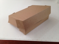 Caja contenedor c/tapa integrada kraft
